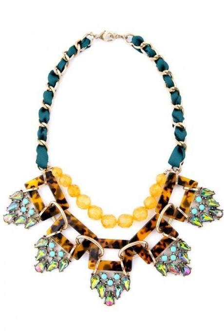 Geometric Hyperbole Atmosphere Resin Pendants Women Jewelry New Maxi Choker Necklace NL055